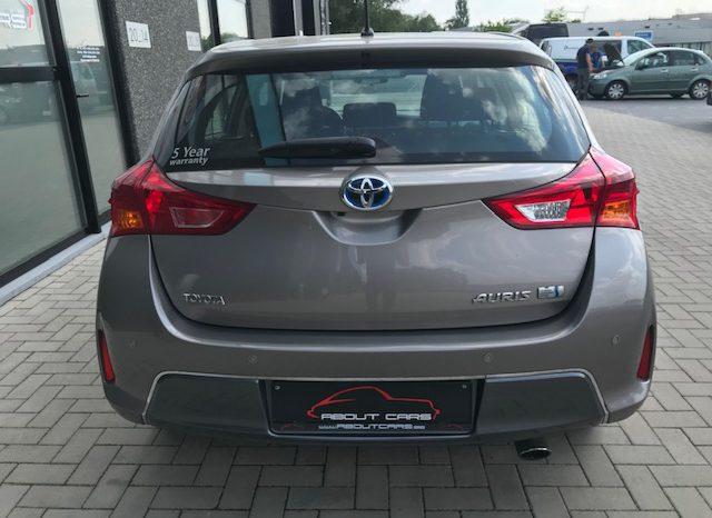 Toyota Auris full